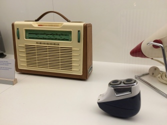 Radio and razor